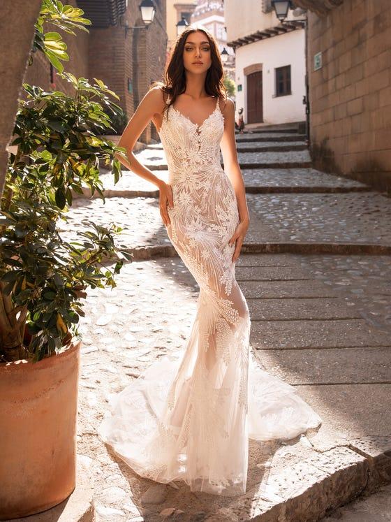 front wedding dress mermaid silhouette v neck albiorix