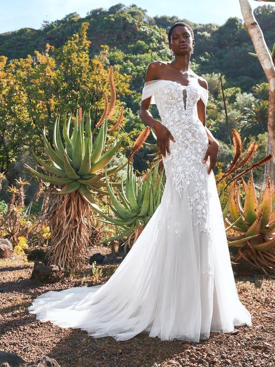 parte delantera vestido novia sirena escote corazon tul bordado baikal
