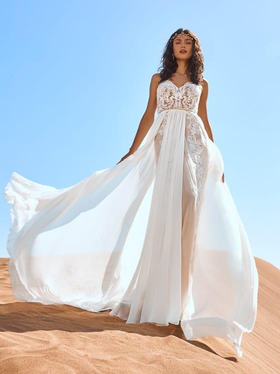 parte delantera vestido novia evase escote corazon goblin