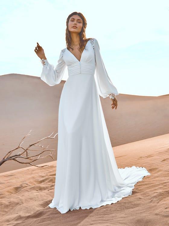 parte delantera vestido novia evase escote pico manga larga gobustan