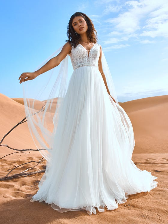 parte delantera vestido novia a line escote pico tul bordado hangson