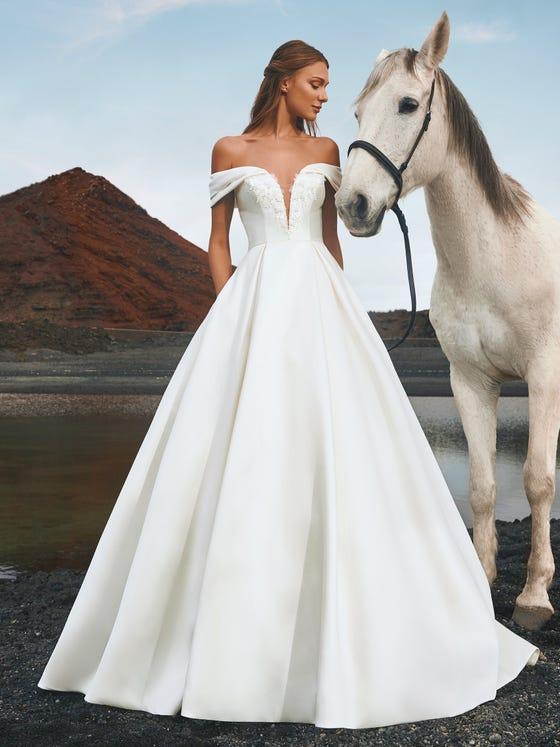 parte delantera vestido novia a line escote corazon iguazu