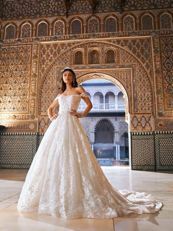 parte delantera vestido novia evase manga larga encaje turpan