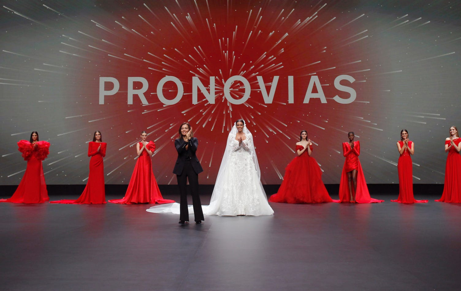 2021 Fashion show - Pronovias