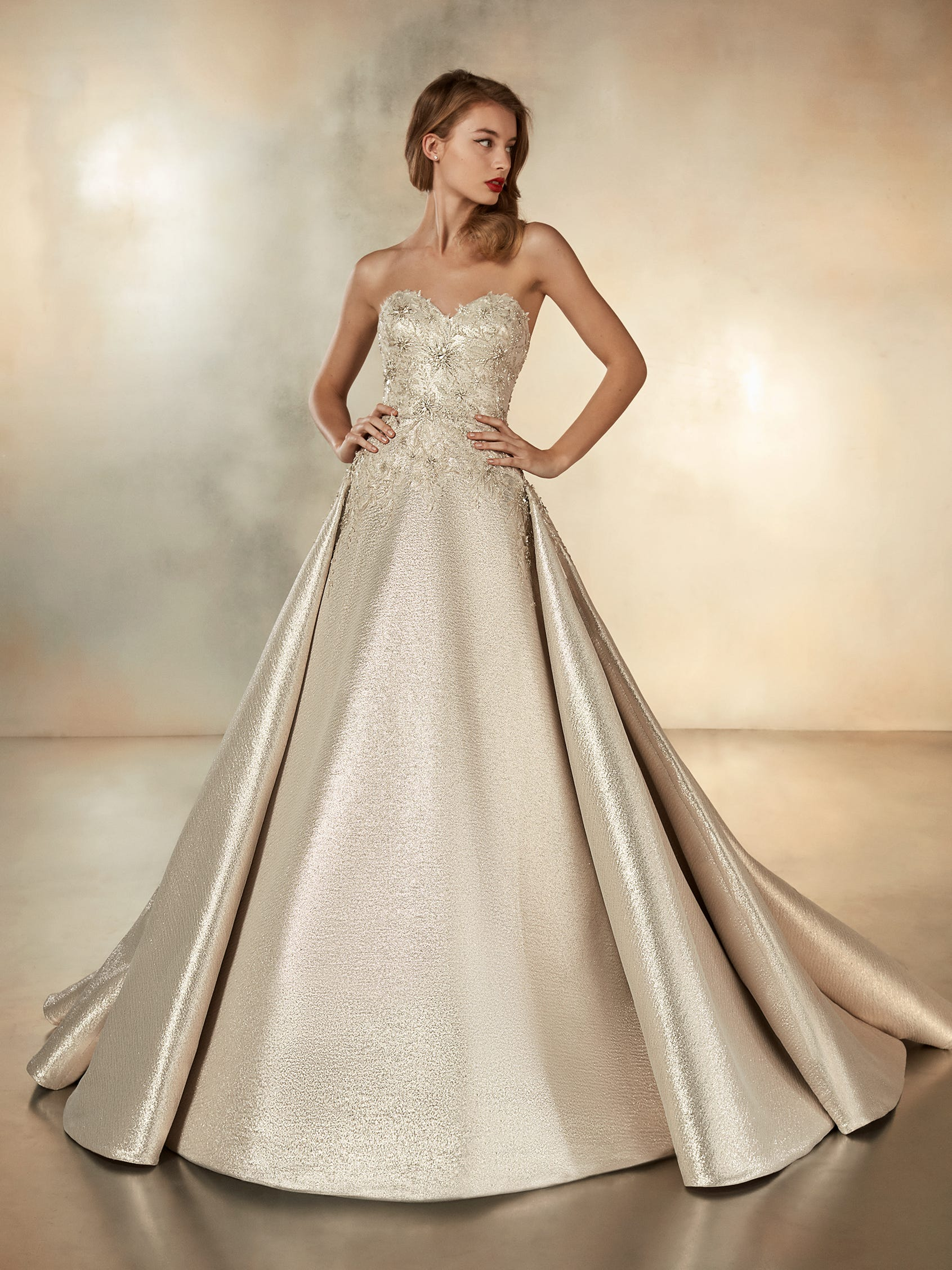 atelier pronovias 2020 cruise collection zieht in die stores ein
